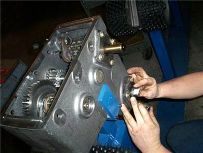 CNC Machining & Assembly of Gearbox for the Lawn & Gardening